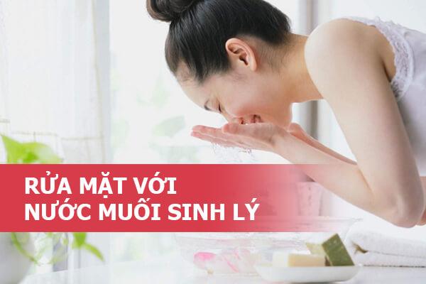 rua-mat-bang-nuoc-muoi-sinh-ly-1-1